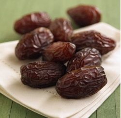 Fall-Superfoods-dates